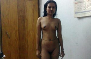 sexy slim indian aunty